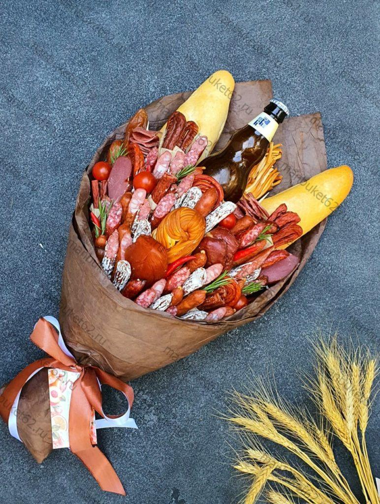 букет для мужчины из колбасы